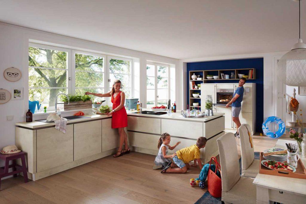 helle Küche, weiße Küche