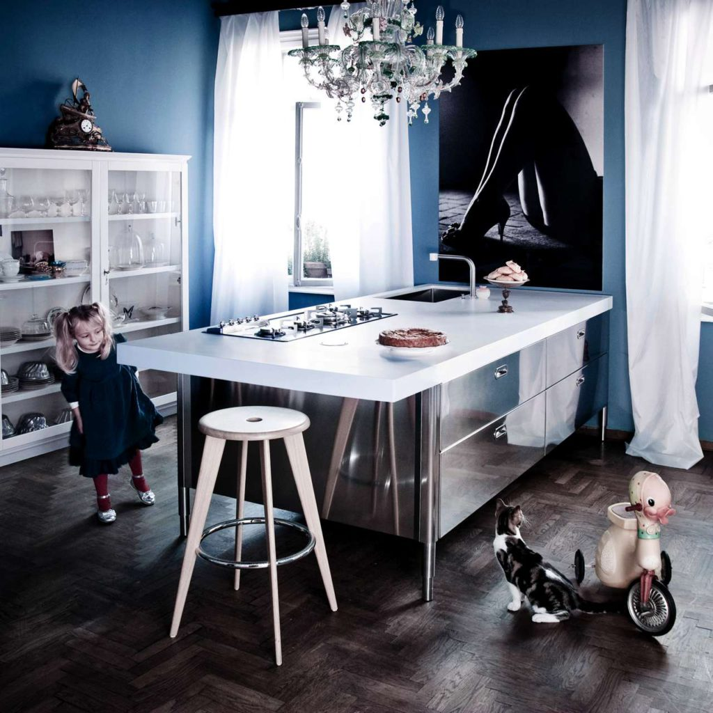 Edelstahlmodulküche ist des italienischen Herstellers Alpes Inox. Foto: Alpes Inox