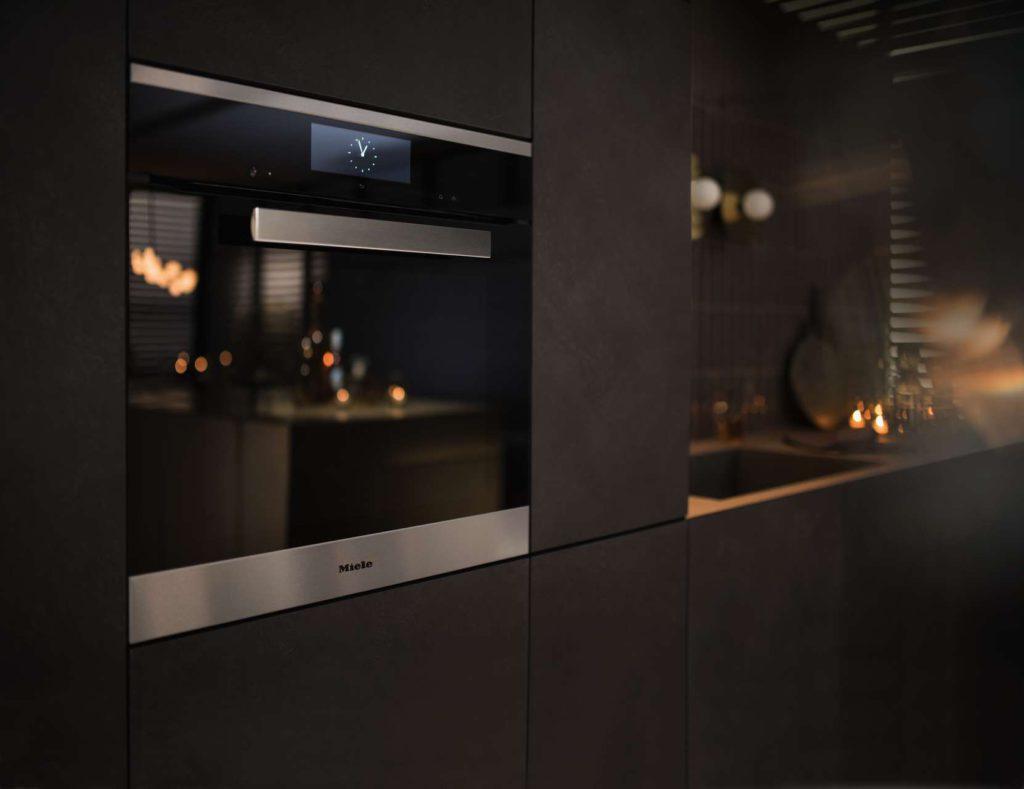 Elegantes Design trifft revolutionäre Kochtechnologie: Der Dialoggarer von Miele steht für Kochinnovation, exzellente Ergebnisse, einfache Zubereitung und Zeitersparnis. Foto: Miele