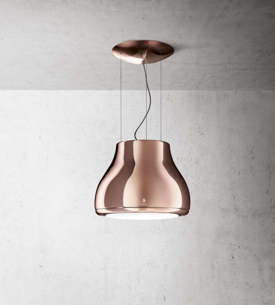 Kupfer, ein edles Material, immer auf Höhe der neuesten Einrichtungstendenzen, geeignet sowohl für klassische wie auch für moderne Wohnbereiche. Design Fabrizio Crisà. Foto: Elica