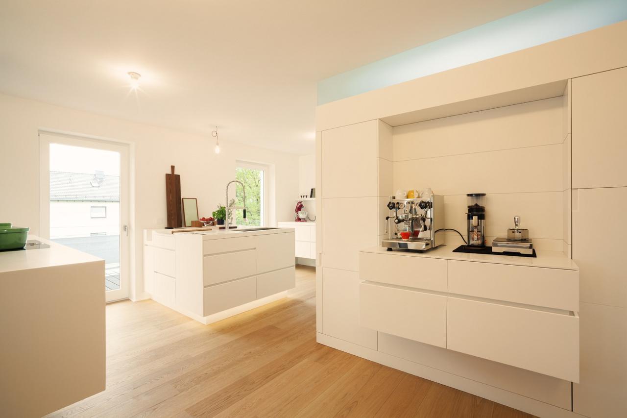 plan 3 kueche stadler halbinsel zeile corian holz 01. Black Bedroom Furniture Sets. Home Design Ideas