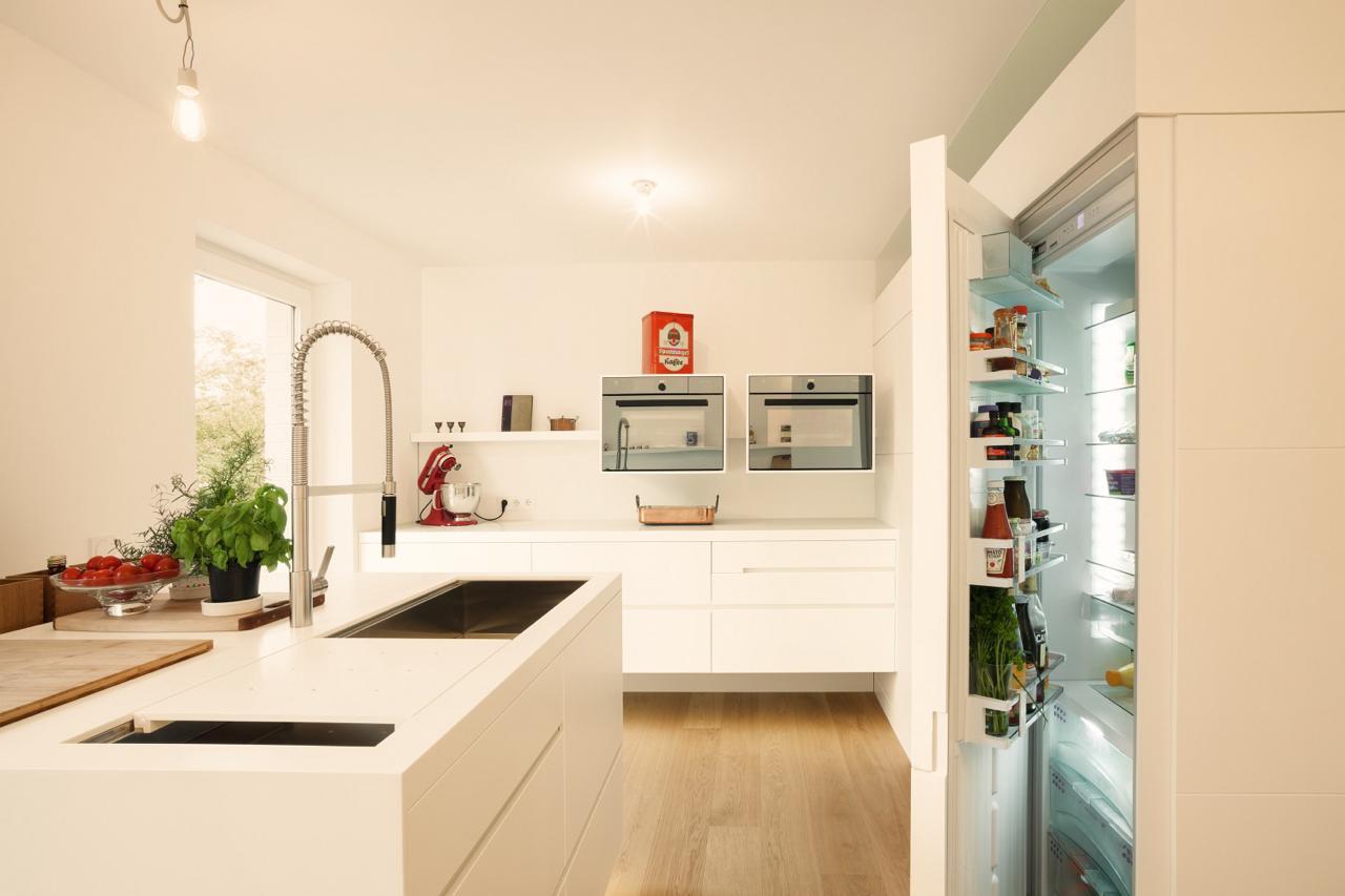 plan 3 kueche stadler halbinsel zeile corian holz 04 k chen journal. Black Bedroom Furniture Sets. Home Design Ideas