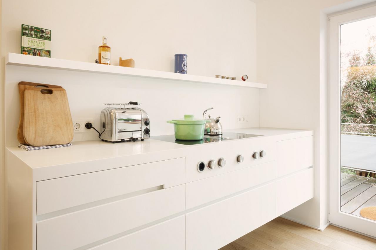 plan-3-kueche-stadler-halbinsel-zeile-corian-holz-06 – Küchen Journal
