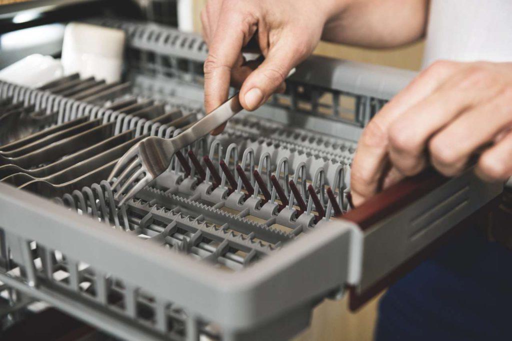 Flexibel wie nie: Die neuen 45-cm-Geschirrspüler von NEFF stehen den 60-cm-Modellen in nichts nach. Foto: NEFF