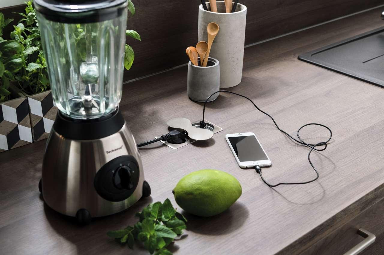steckdosen arbeitsplatte integrieren wohn design. Black Bedroom Furniture Sets. Home Design Ideas