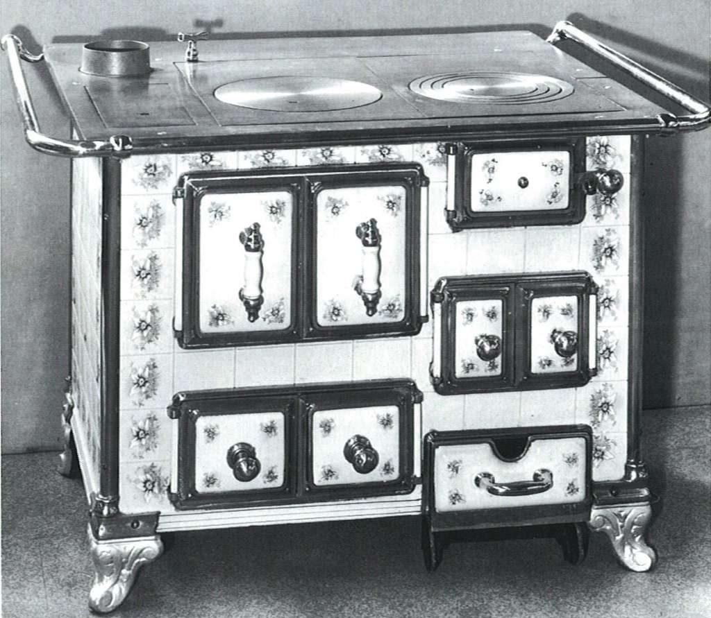 Brennstoffbetriebene Standherde vom Ende des 19. Jahrhunderts sind beliebte Dekorationen. Foto: AMK