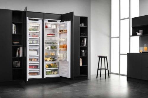 Der Frischecenter wird mit dem Gefrierschrank und Kühlschrank perfekt in die Einbauküche integriert und ist dazu extrem leise. Foto: AMK