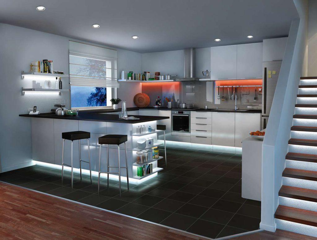 Futuristisch mutet die Lichtplanung dieser Küche an. Foto: Paulmann Licht