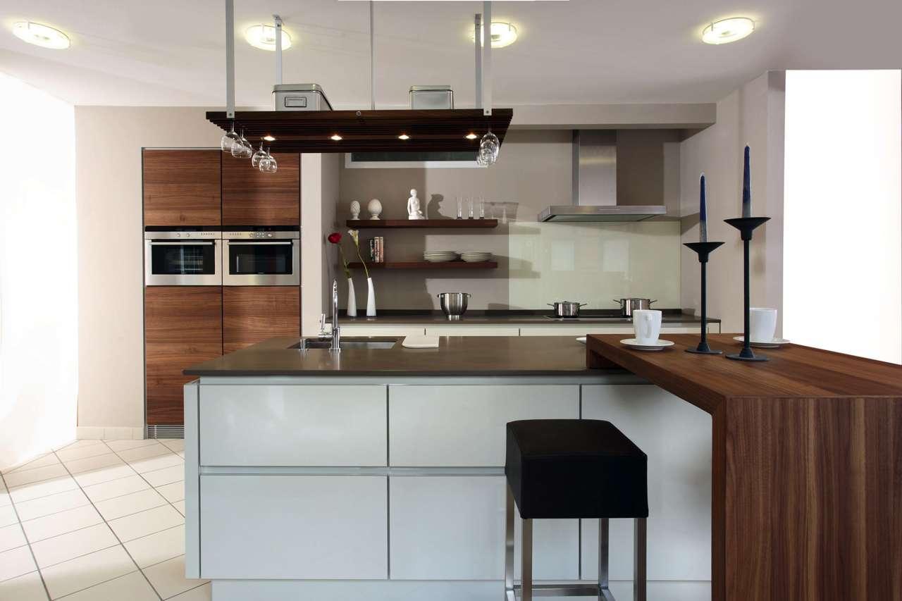 Bereits In Küchen Ab 15 Quadratmetern Kann Der Fachmann Aus Dem  Tischlerhandwerk Eine Kochinsel Nach Individueller