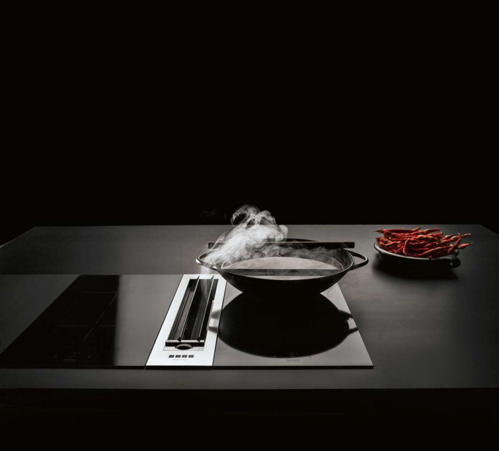 Stark und schick: Die praktischen Muldenlüfter von falmec bestechen nicht nur durch ihre Funktionalität, sondern auch durch ihr futuristisches und hochwertiges Design. Foto: epr/falmec