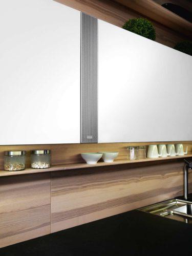 Nahtlos integriert und auf beeindruckende Weise kompakt ist das Soundmodul von ewe. Beste Tonqualität ohne Klangeinbußen – egal wo Sie sich gerade in Ihrer Küche befinden. Foto: ewe