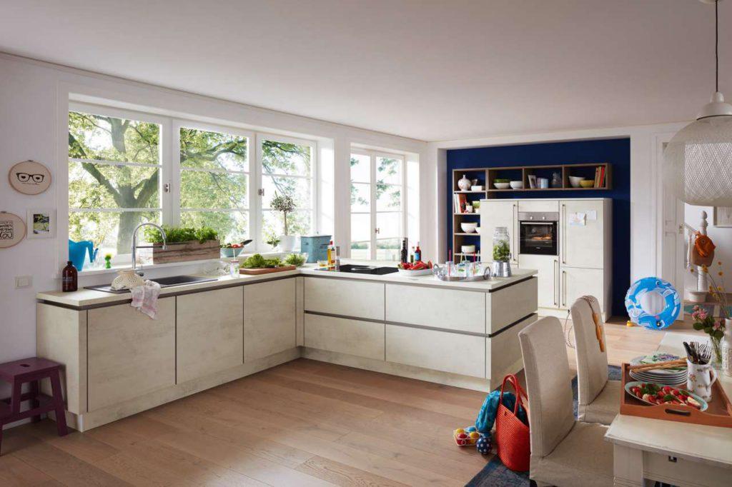 Design, Komfort und innovative Technik spielen in der modernen Küche eine wichtige Rolle. Foto: djd/KüchenTreff
