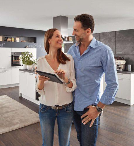 Durch die Vernetzung der Hausgeräte lassen sich die Küchenarbeit und der gesamte Alltag einfacher und effizienter gestalten. Foto: djd/KüchenTreff