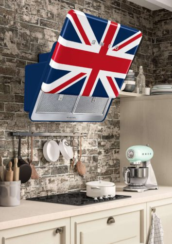 Neuester Design-Coup der italienischen Kultmarke Smeg ist eine Haube mit der britischen Flagge, dem Union Jack. Foto: Smeg