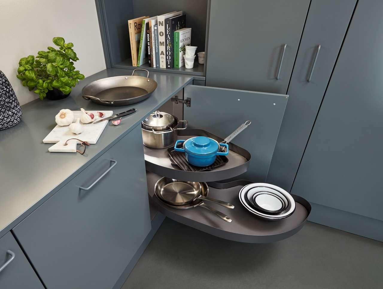 Moderne Küchen Zeichnen Sich Durch Eine Optimale Und Ergonomisch Sinnvolle  Nutzung Des Stauraums Aus. Foto: AMK