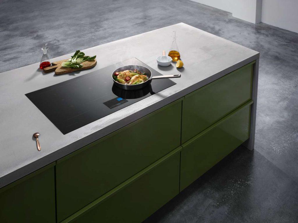 Das mit dem iF-Design-Preis in der Kategorie Produkt ausgezeichnete Kochfeld KY-T937VL von Panasonic.  Foto: Panasonic