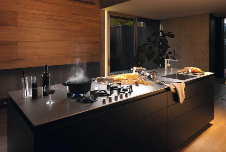arbeitsplatten aus edelstahl k chen journal. Black Bedroom Furniture Sets. Home Design Ideas
