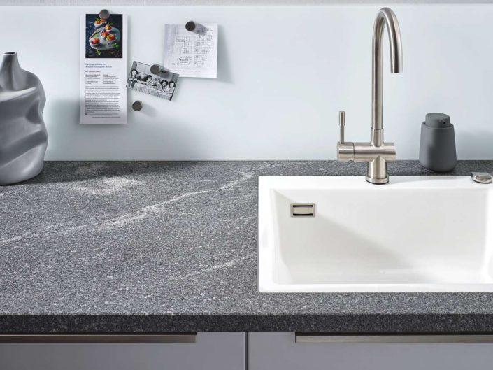 Granit Elegant Grey strukturiert. Foto: Lechner