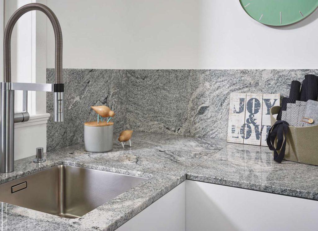 Granit Nautic White poliert. Foto: Lechner