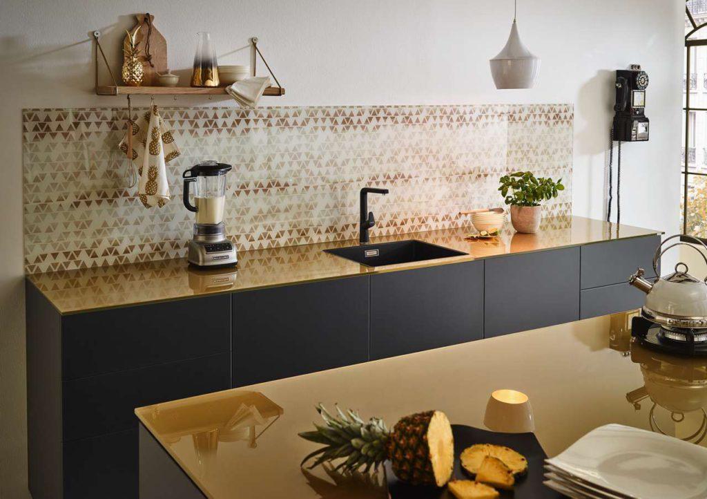 arbeitsplatten aus glas k chen journal. Black Bedroom Furniture Sets. Home Design Ideas
