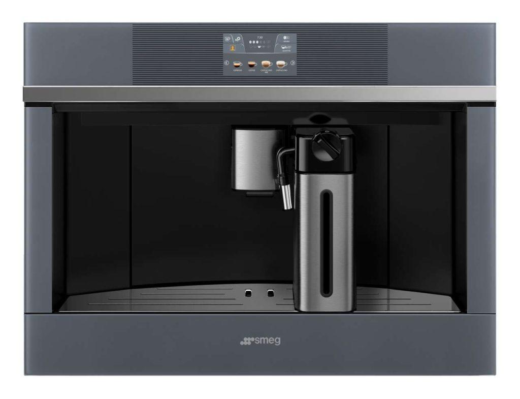 Der Einbau-Kaffeevollautomat der neuen Linea Generation. Foto: Smeg