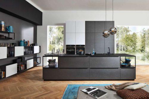 Die moderne Wohnküche ist offen und einladend. Foto: DGM/Nolte Küchen