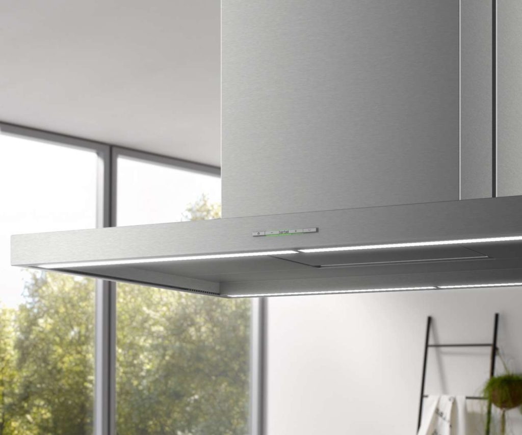 Über das elegante, flache Tastenbedienfeld sind die Funktionen sowie das Licht steuerbar. Foto: berbel