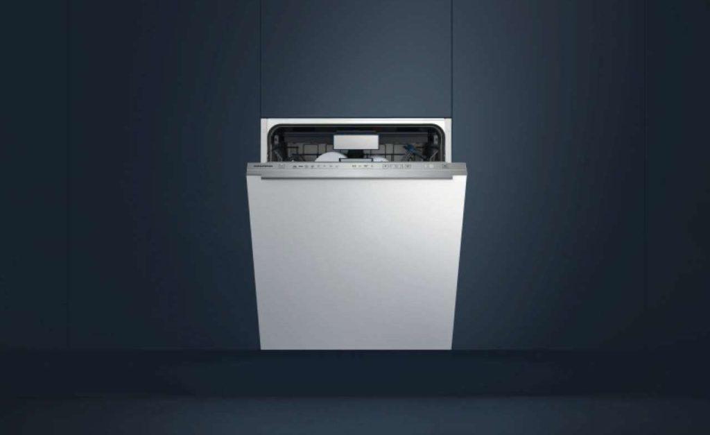 Der vollintegrierten Geschirrspüler GNV 44835 mit CornerWash-System für gründlich gereinigtes Geschirr in der gesamten Maschine. Foto: Grundig