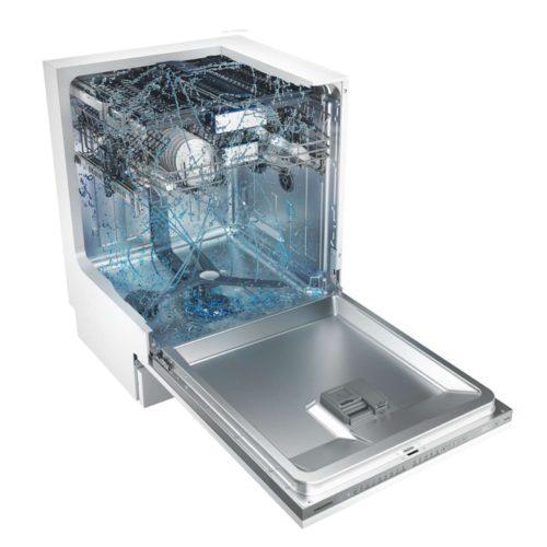 Der speziell designte Sprüharm bewegt sich in rechteckigen Rotationen und gelangt dadurch in jeden Winkel der Maschine für eine intensive und gründliche Reinigung. Foto: Grundig