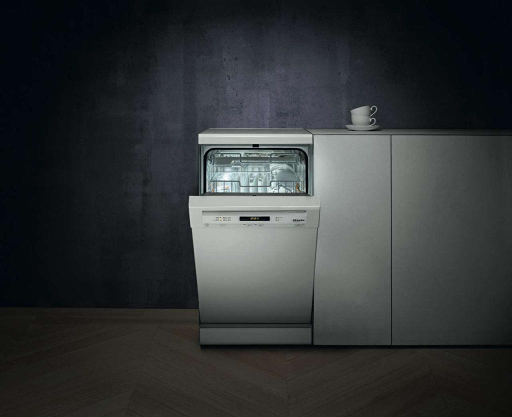 Spülmaschinen gibt es in kompakteren Varianten als der Standardgröße. Foto: Hausgeräte+