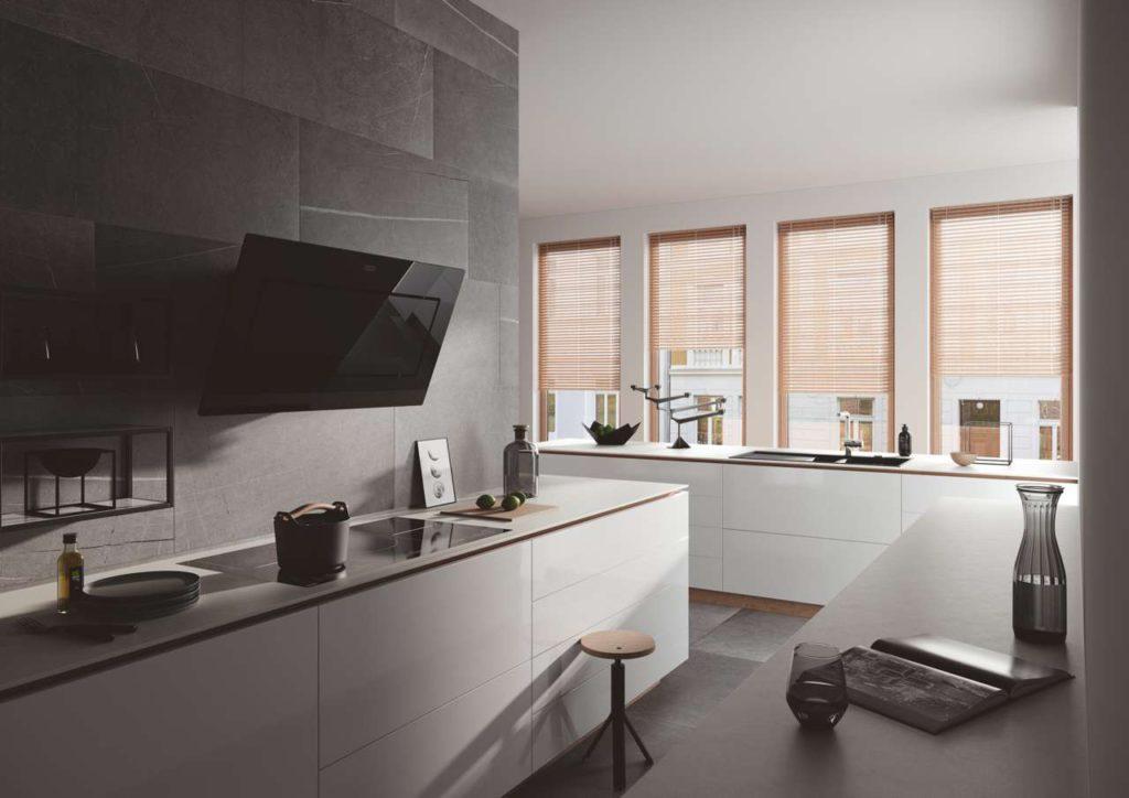 Die Mythos-Hauben sind jetzt in acht stilvollen Trendfarben erhältlich – und verleihen damit jeder Küche eine ganz besondere Note. Hier in der Farbe Schwarz. Foto: Franke GmbH