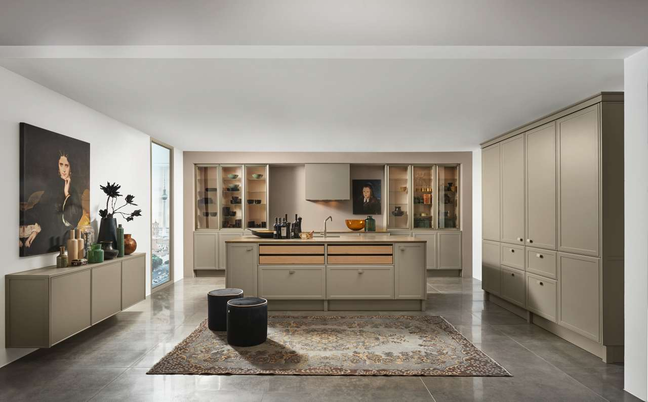 ... Hier In Lava Softmatt, Eröffnet Mit Der Neuen Klassik Eine Ganz Eigene,  Faszinierende Stilwelt Innerhalb Des Mattlackkonzepts Von Nolte Küchen.