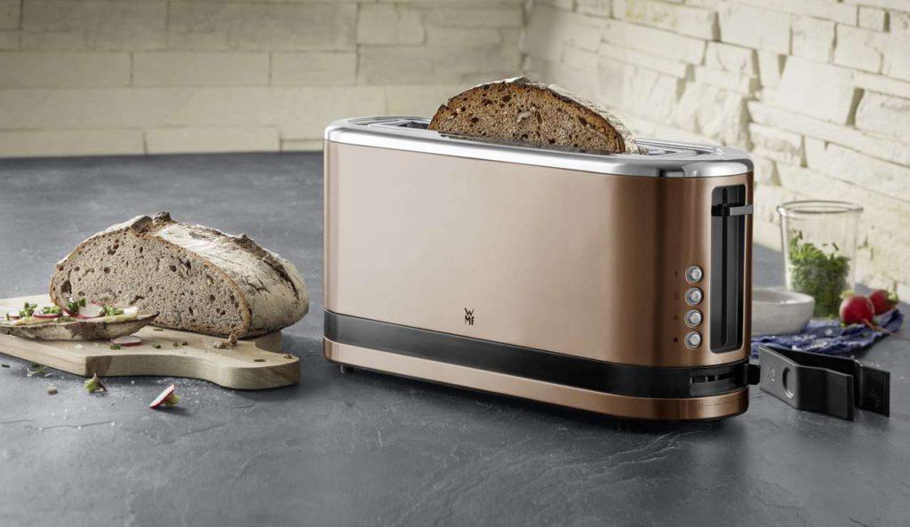 Langschlitz-Toaster der KÜCHENminis-Serie in der Trendfarbe Kupfer. Foto: WMF