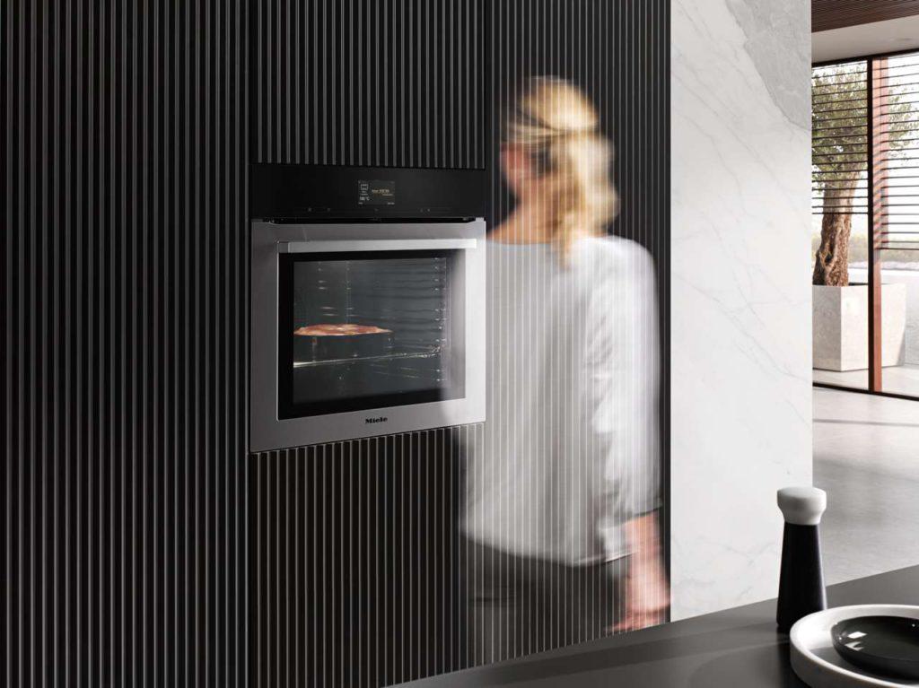 Intelligente Assistenten unterstützen den Kochprozess. Foto: Miele
