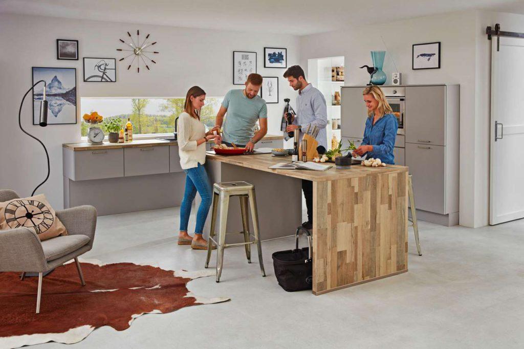 Die Küche ist das Herzstück des Hauses und sollte deshalb frühzeitig in der Planung bedacht werden, um keine Wünsche offen zu lassen. Foto: djd/Küchen Treff GmbH & Co. KG