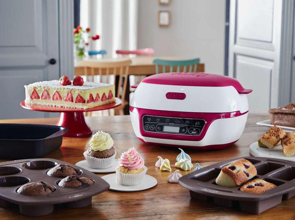 Im Lieferumfang ist ein komplettes Set enthalten, mit dem jeder Hobbybäcker gleich loslegen kann. Foto: Tefal