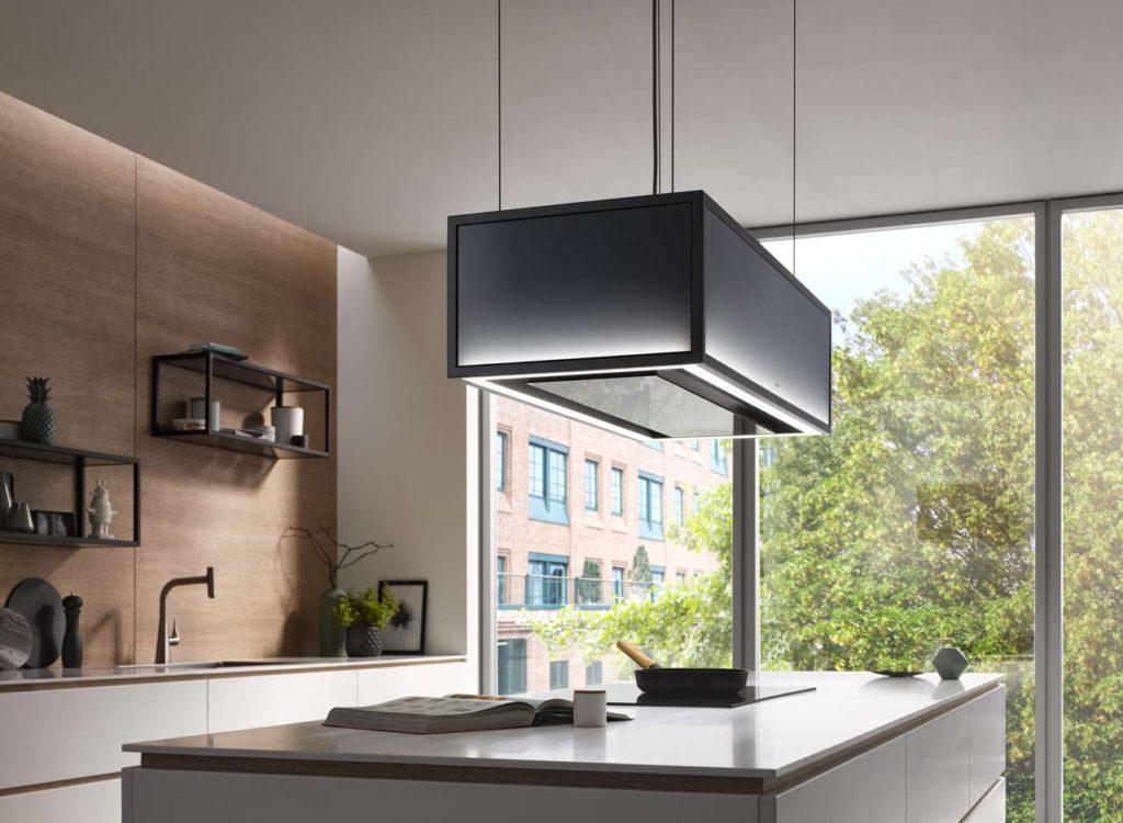 Besonders schönes Raumambiente dank individuell einstellbarer Effektbeleuchtung von bläulich kühl bis zu einem warmen Kupferton. Foto: berbel