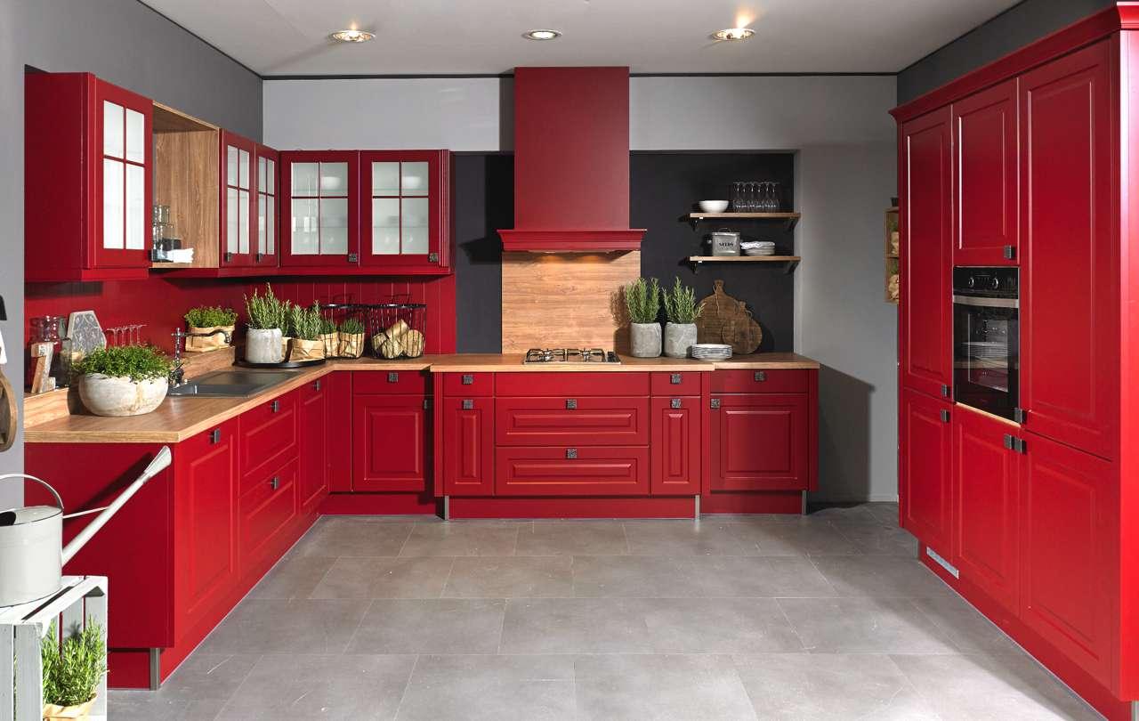 IP_rote_Küche_Landhaus - Küchen Journal