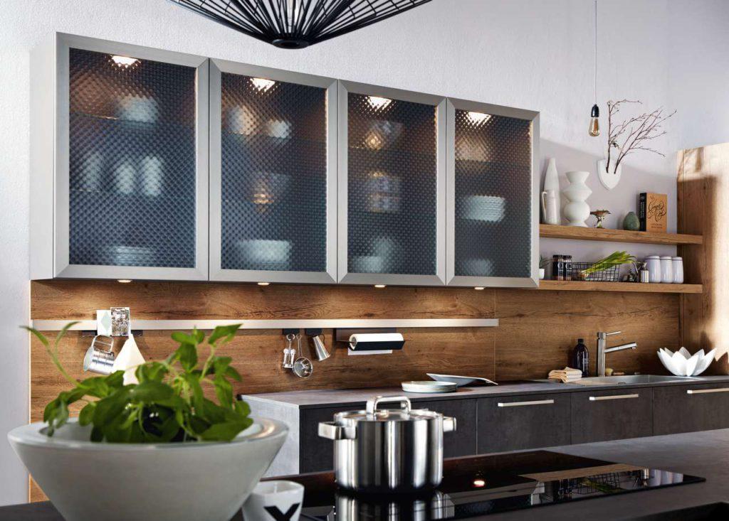 Hat man sich im Vorfeld des Termins mit dem Küchenberater Gedanken über die eigenen Wünsche gemacht, fällt die Kooperation mit dem Experten bei der Konzeption umso leichter. Foto: djd/Küchen Quelle GmbH