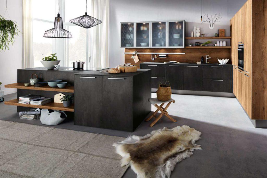 Die Küche sollte passgenau auf den Raum zugeschnitten sein - sowohl hinsichtlich der Maße als auch in Bezug auf die Materialien, die Farben und das Design. Foto: djd/Küchen Quelle GmbH