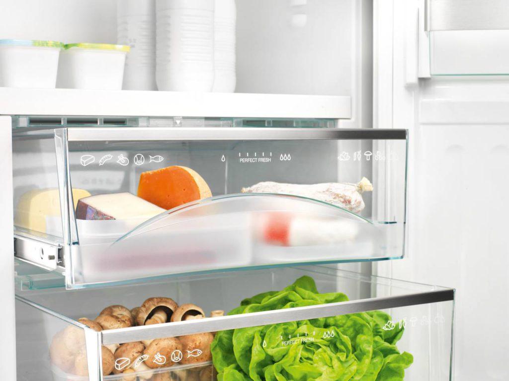 Unterschiedliche Zonen im Kühlschrank sinnvoll nutzen. Foto: Hausgeräte+