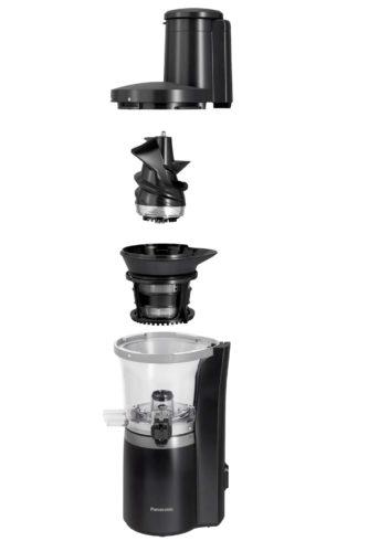 Zubehör: Saftkaraffe, Tresterbehälter, Einsatz für Säfte, Einsatz für tiefgefrorene Zutaten, Reinigungsbürste, Stößel. Foto: Panasonic