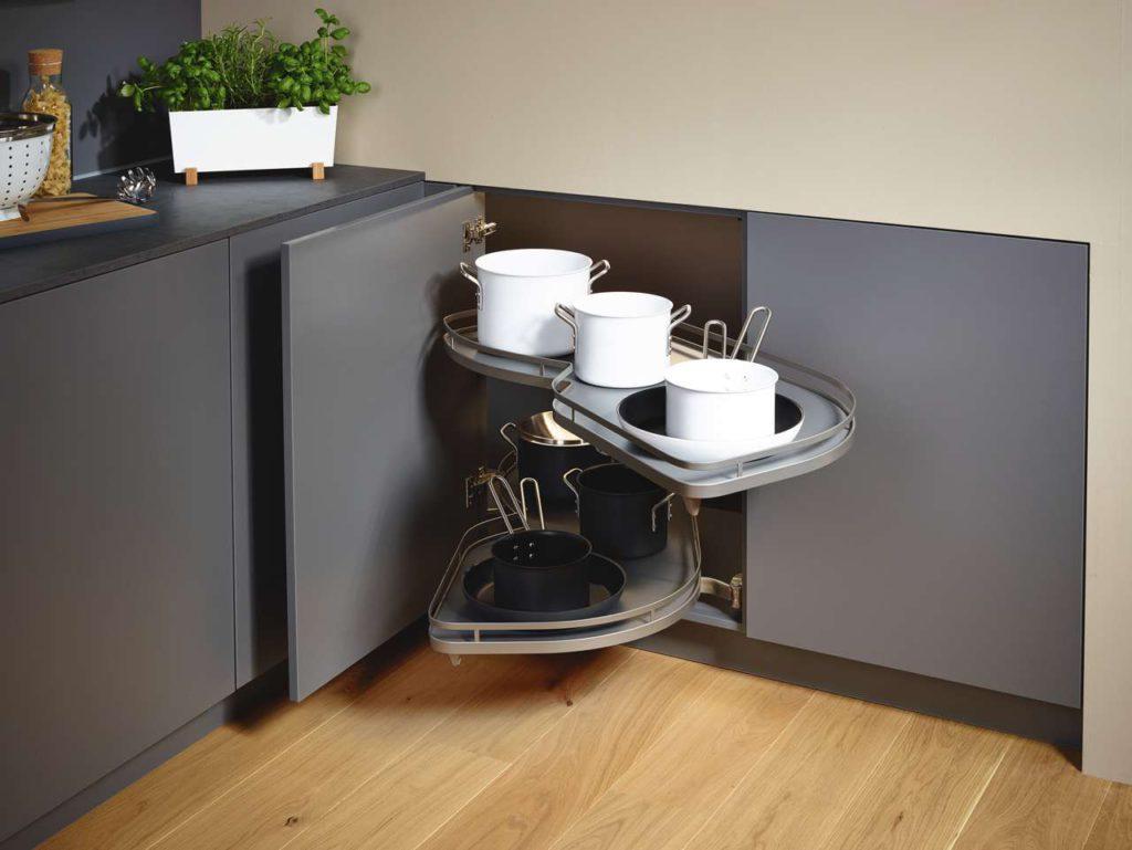 Rondell Küche, Tablar-Auszug