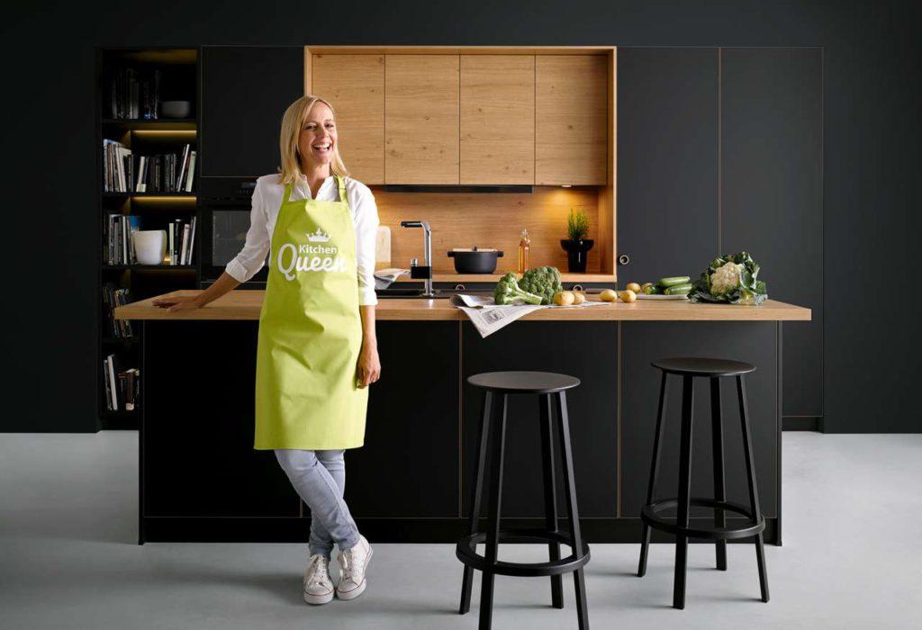 schwarze Küche, kleine Küche