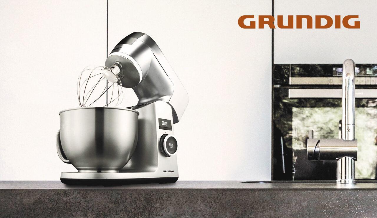 Grundig_Küchenmaschine_KMP-8650-S_Logo_(c)-Grundig-Intermedia-GmbH
