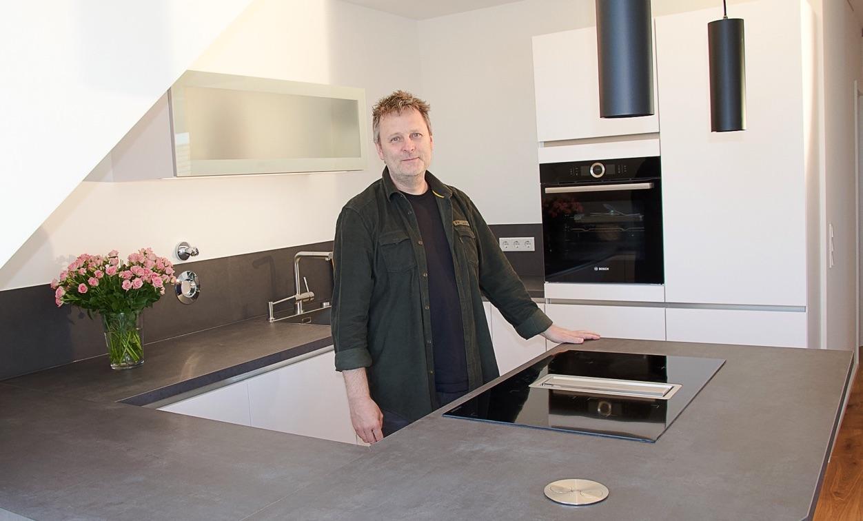 Kreativer Kochbereich Mit Dachschrage Kuchen Journal